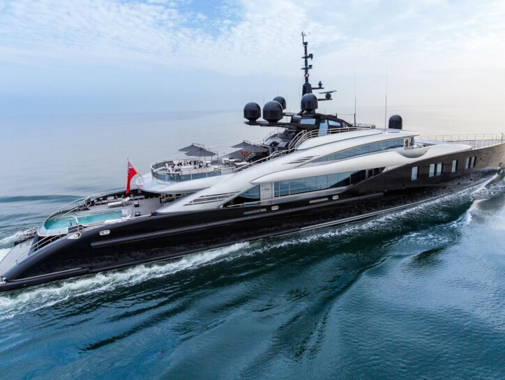 Okto yacht for charter