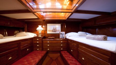 Moonbeam IV yacht for Sale