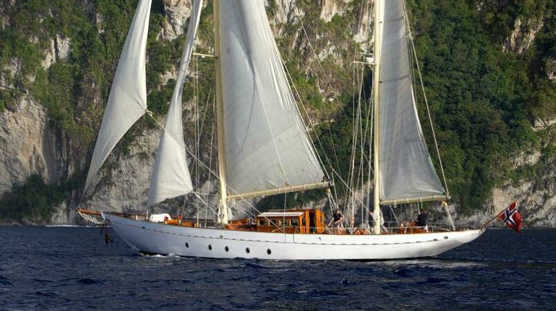 Sincerity Luxury Super Yacht For Sale