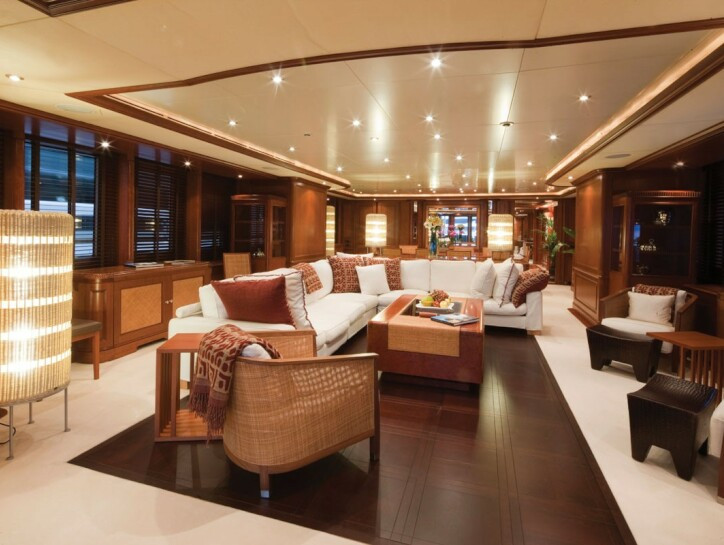 Jo yacht for charter