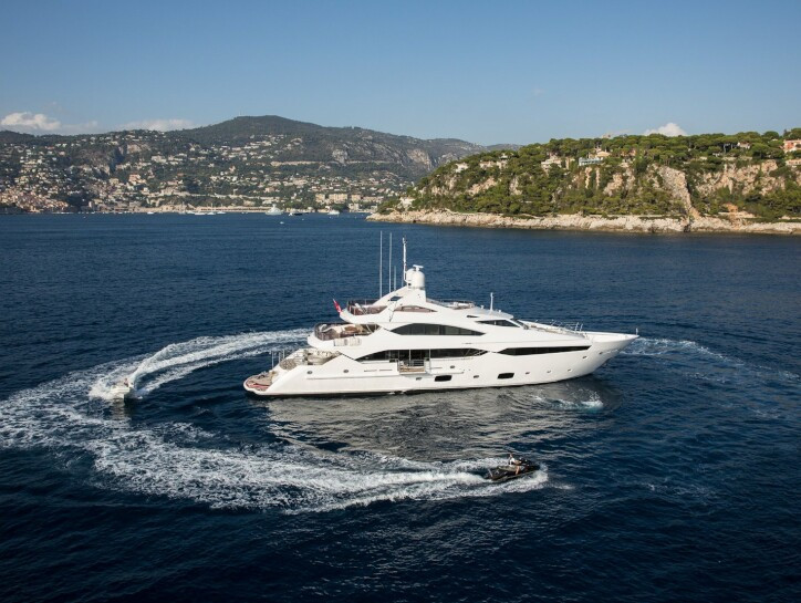 Thumper yacht for charter