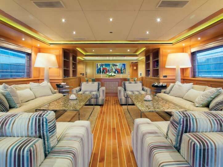 Hana yacht for charter