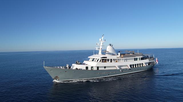 Menorca Yacht Charter | Botje Ensing Luxury Motor Yacht