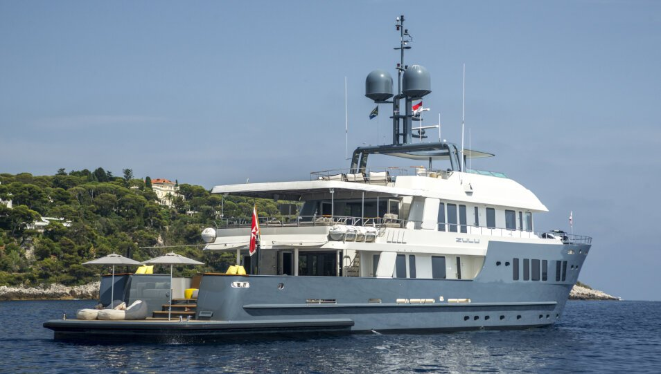 Zulu yacht for Charter