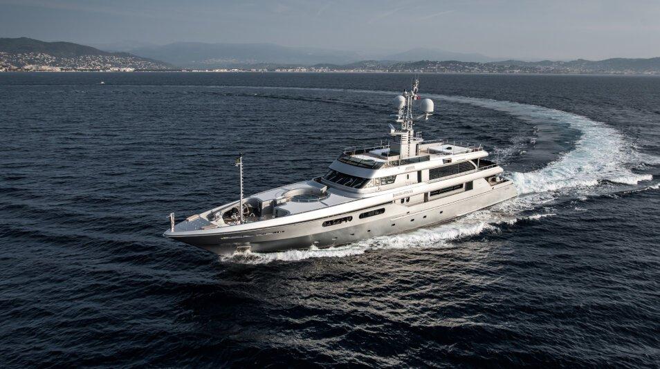 Regina d'Italia II Yacht for charter