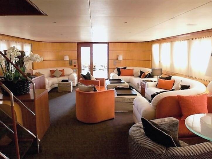 Il Cigno yacht for sale