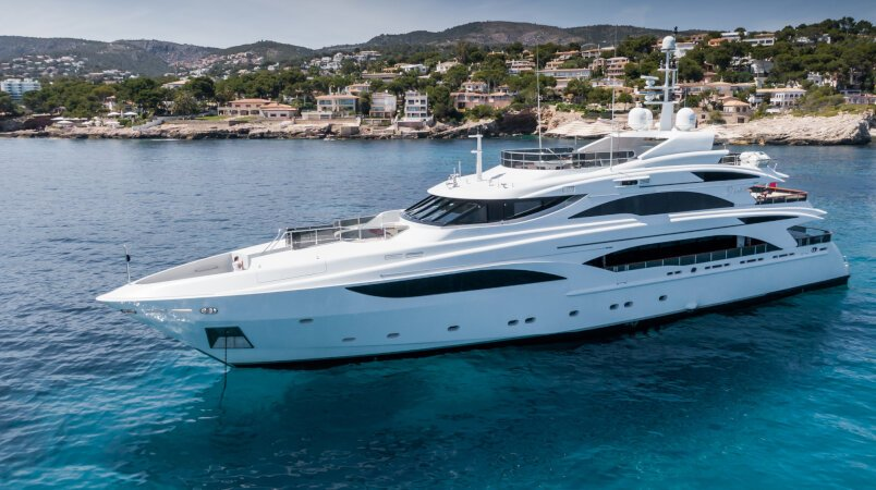 Diane yacht for Charter
