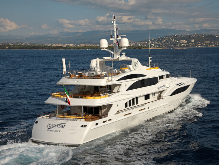 Platinum yacht for charter