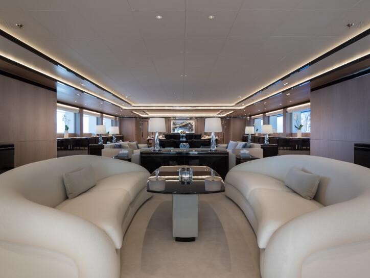 O'Ptasia yacht for charter